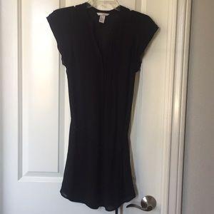 Short chiffon black dress with lining